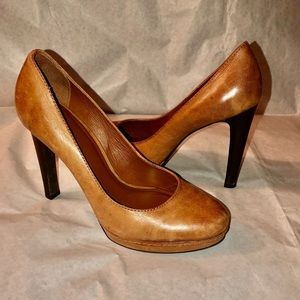 Minnelli Leather Pumps